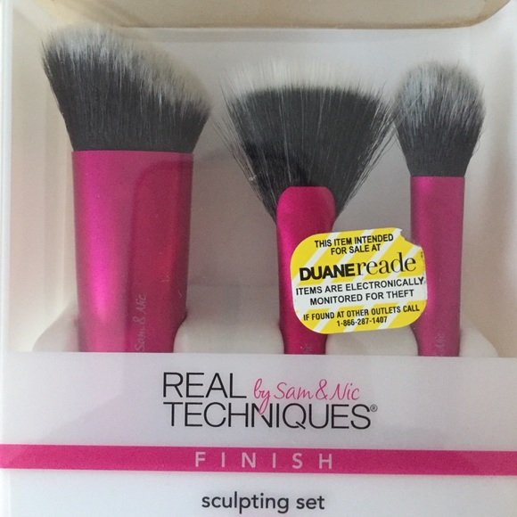 Real Techniques Other - New In Box Real Techniques Sculpting Brush Set
